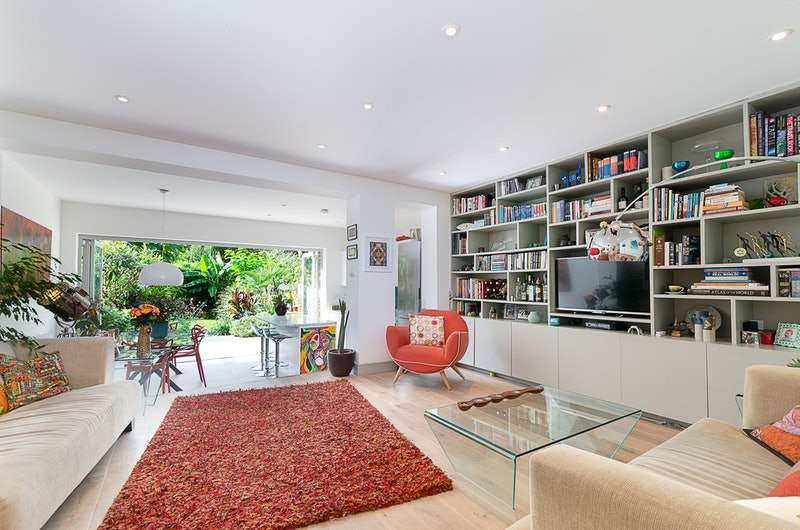 3 Bedrooms Flat for sale in Bedford Hill, Balham, London, SW12