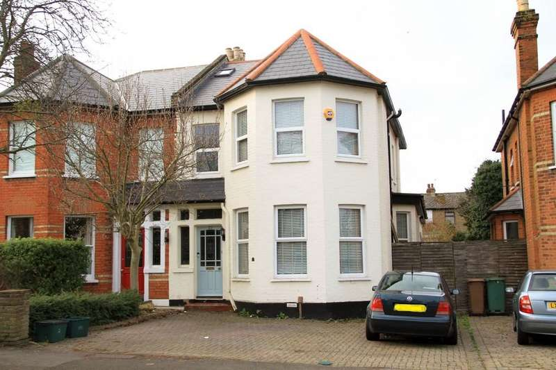 4 Bedrooms Semi Detached House for sale in Clyde Road, Wallington
