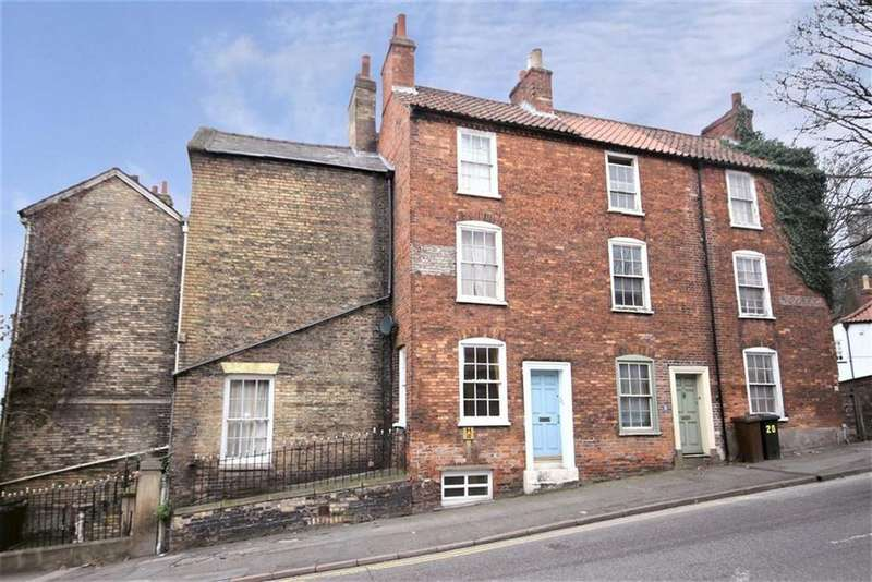 2 Bedrooms Terraced House for sale in Lindum Road, Lincoln, Lincolnshire