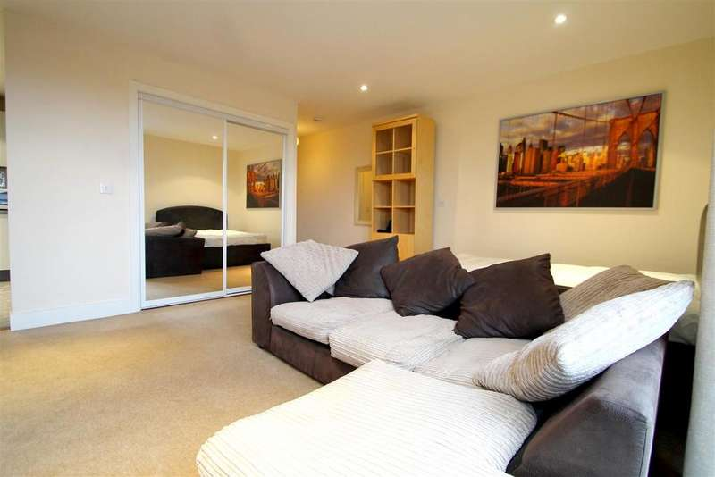Studio Flat for sale in Ferry Court, Cardiff