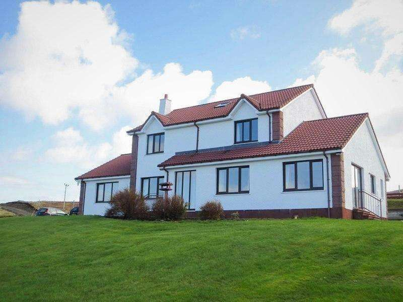 4 Bedrooms Detached House for sale in 1 Earlish, By Portree IV51