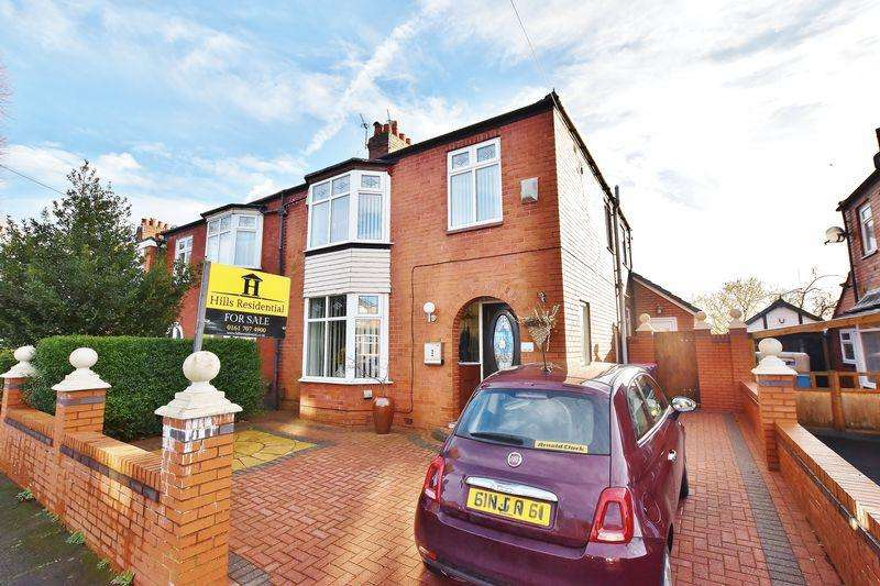 3 Bedrooms Semi Detached House for sale in Orient Road, Salford