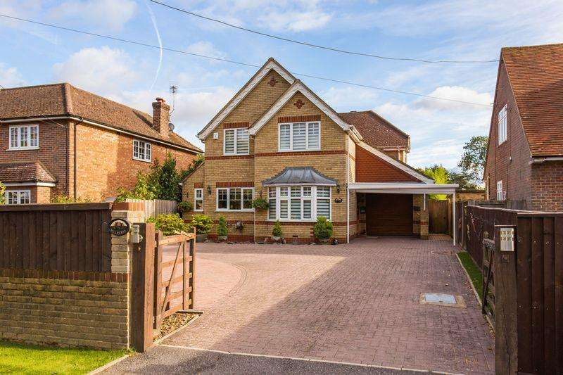 4 Bedrooms Detached House for sale in Widmer End