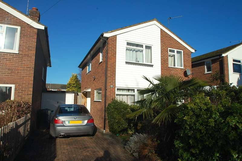 3 Bedrooms Detached House for sale in Royle Close, Chalfont St Peter, SL9