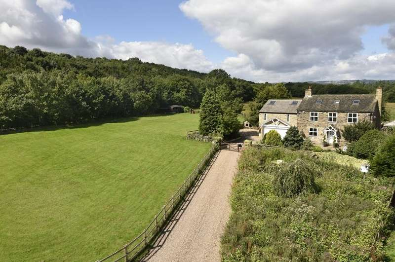 4 Bedrooms Farm House Character Property for sale in Lower Quarry Road, Huddersfield