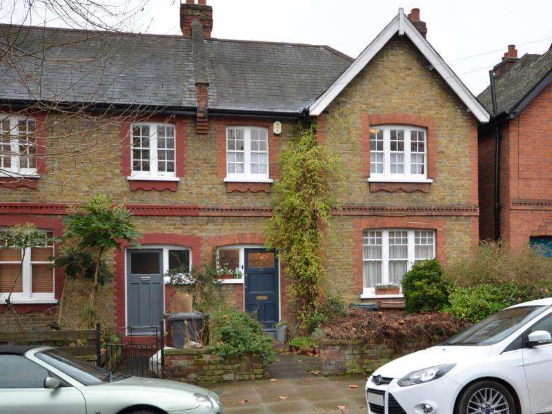 4 Bedrooms Terraced House for sale in Hawthorn Road, N8