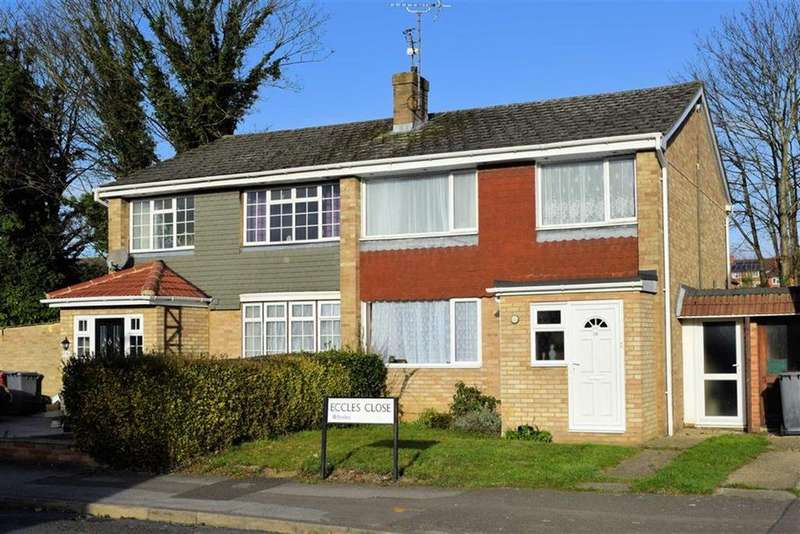3 Bedrooms Semi Detached House for sale in Eccles Close, Caversham, Reading