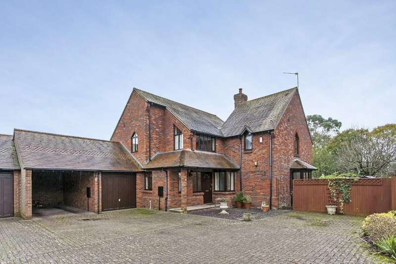 3 Bedrooms Detached House for sale in Old Stable Mews, Littleton, Winchester, SO22