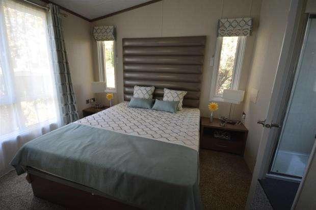 2 Bedrooms House for sale in Hook Lane, Warsash, Southampton