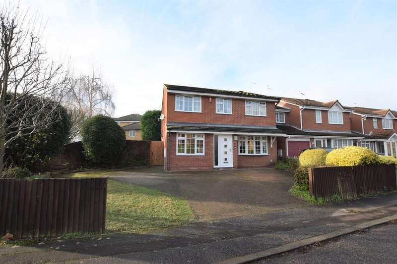 4 Bedrooms Detached House for sale in Dorchester End, Colchester, CO2 8AR