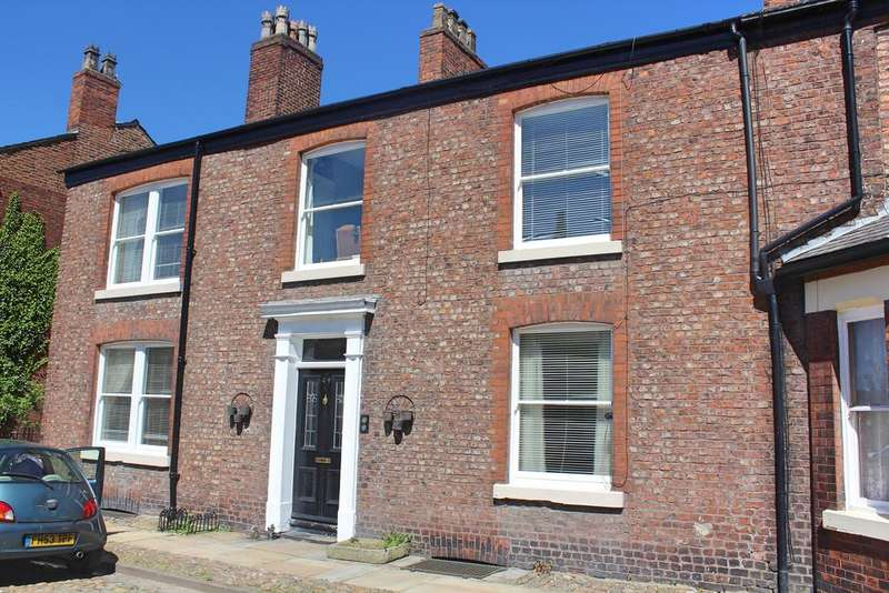 4 Bedrooms Terraced House for sale in Fairfield Square, Droylsden, M43