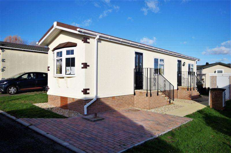 1 Bedroom Detached House for sale in Woodlands Park, Almondsbury, Bristol
