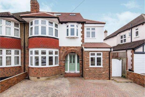 5 Bedrooms Semi Detached House for sale in Worcester Park, Surrey, .