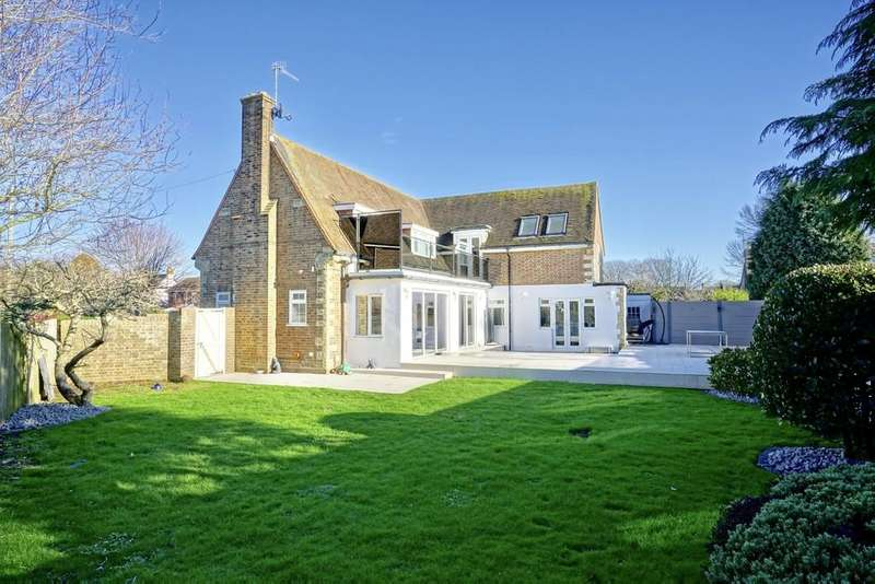 5 Bedrooms Detached House for sale in The Cotswolds, Southwick