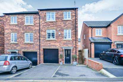 4 Bedrooms Semi Detached House for sale in Weavers Way, South Normanton, Nottinghamshire
