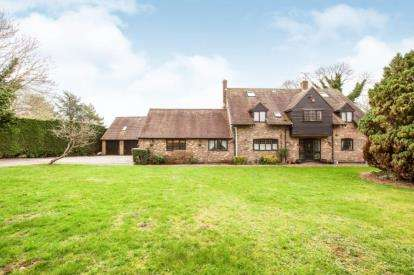 7 Bedrooms Detached House for sale in The Nap, Oakley, Aylesbury