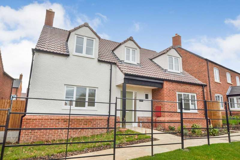 4 Bedrooms Detached House for sale in Fleet Lane, Twyning, Gloucestershire