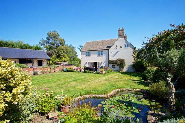 5 Bedrooms Detached House for sale in Luddington, PE8