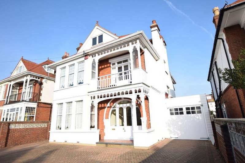 6 Bedrooms Detached House for sale in St Vincent Road, Clacton-on-Sea
