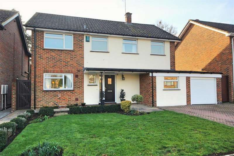 4 Bedrooms Detached House for sale in Coppins Close, CHELMSFORD, Essex