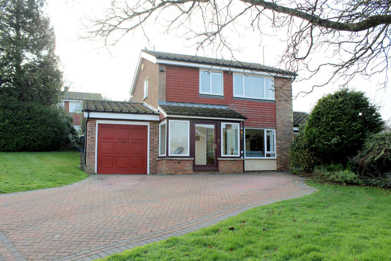 3 Bedrooms Detached House for sale in Studlands Rise, Royston