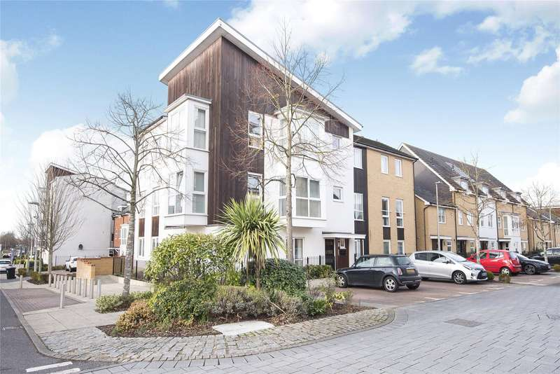 2 Bedrooms Apartment Flat for sale in Lindisfarne Way, Reading, Berkshire, RG2
