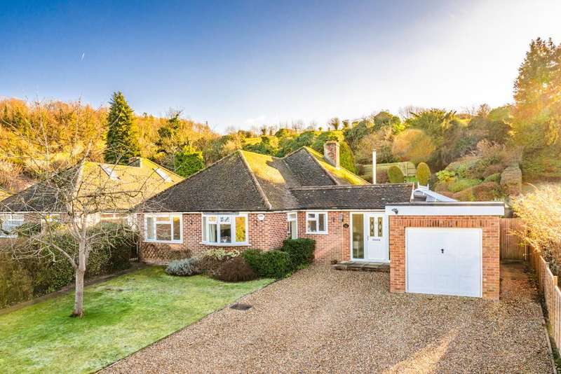 3 Bedrooms Bungalow for sale in 12 Summerfield Rise, Goring on Thames, RG8