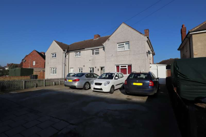 5 Bedrooms Semi Detached House for sale in Moulton Avenue, Bedford, Bedfordshire, MK42