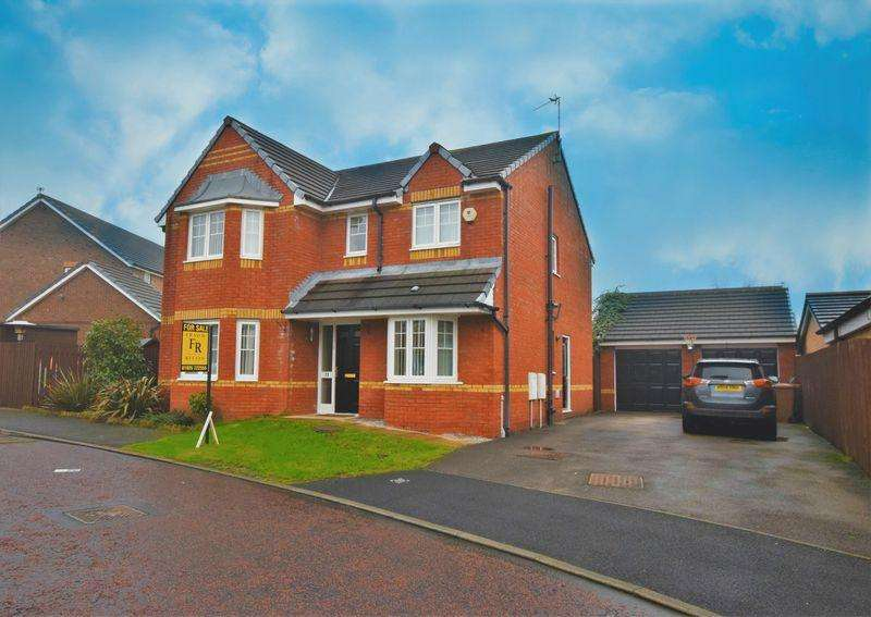 4 Bedrooms Detached House for sale in Makerfield Drive, Newton-Le-Willows