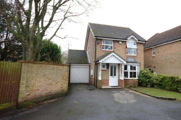 3 Bedrooms Detached House for sale in Mannock Way, Woodley, Reading