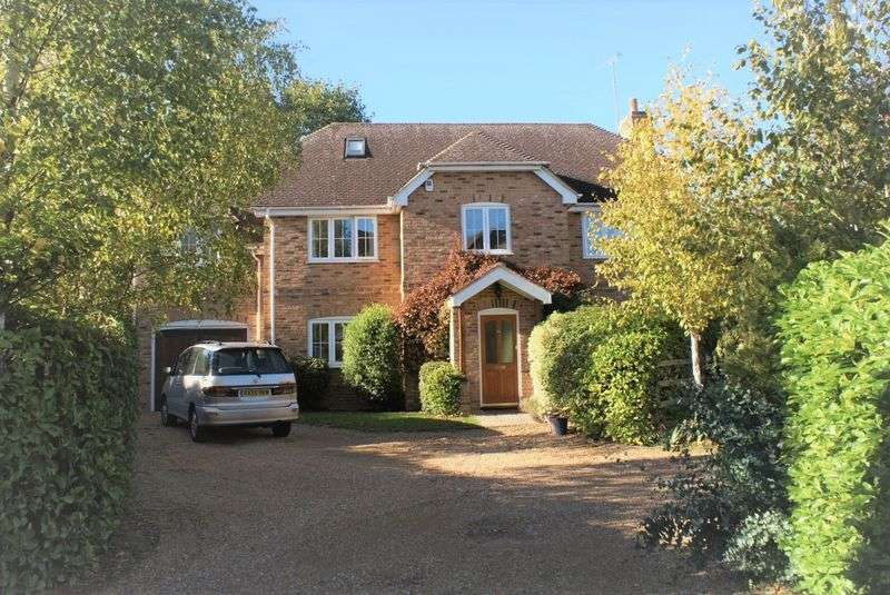 5 Bedrooms Property for sale in Wargrave Road, Twyford
