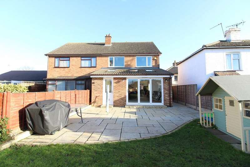 4 Bedrooms Semi Detached House for sale in New Street, Shefford, SG17