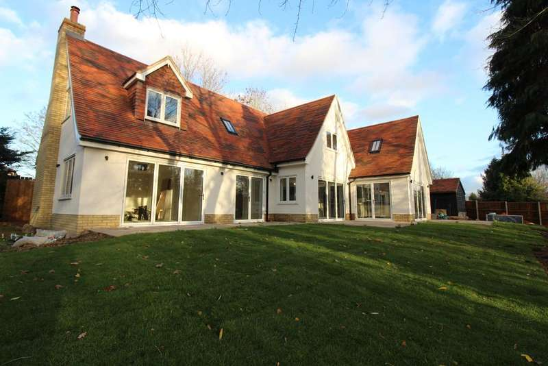 5 Bedrooms Detached House for sale in Matching Green CM17