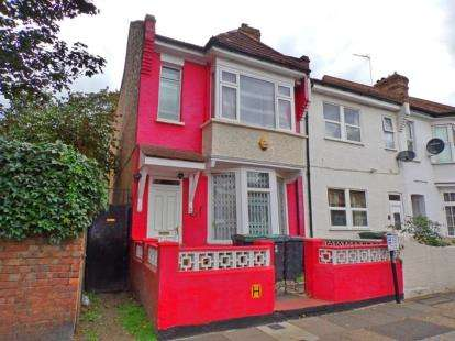 3 Bedrooms End Of Terrace House for sale in Napier Road, London