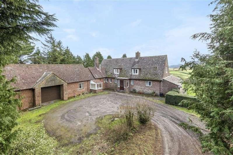 4 Bedrooms Detached House for sale in Crockernwell, Exeter, Devon, EX6