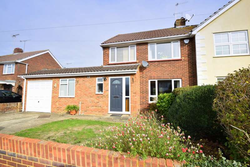 4 Bedrooms Semi Detached House for sale in Aston Mead, Windsor, SL4
