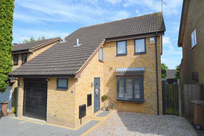 4 Bedrooms Detached House for sale in Huckleberry Close, Barton Hills, Luton, LU3 4AN