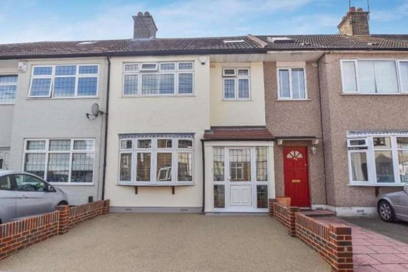 4 Bedrooms Terraced House for sale in Gay Gardens, Dagenham