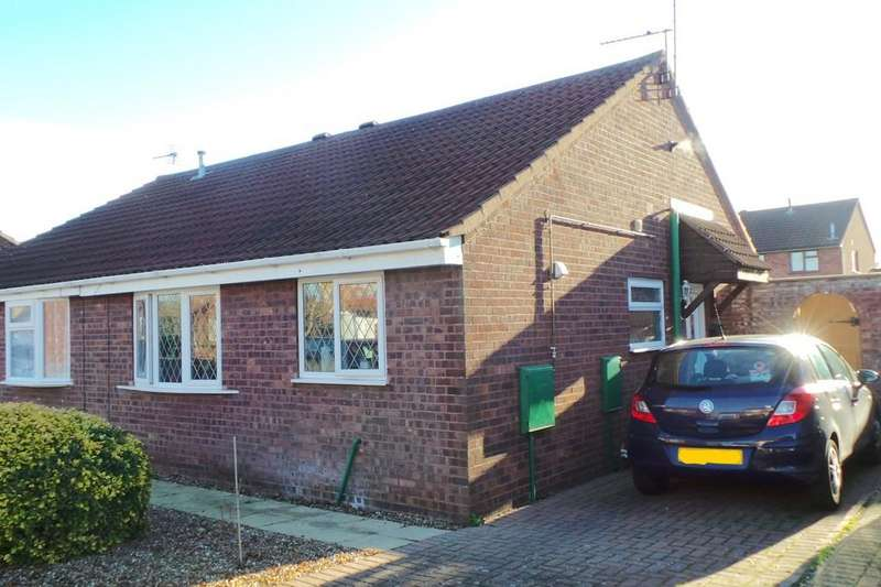 2 Bedrooms Semi Detached Bungalow for sale in Atwater Close, Lincoln