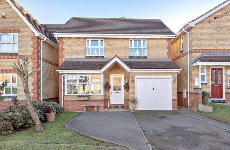 3 Bedrooms Detached House for sale in Leary Crescent, Newport Pagnell