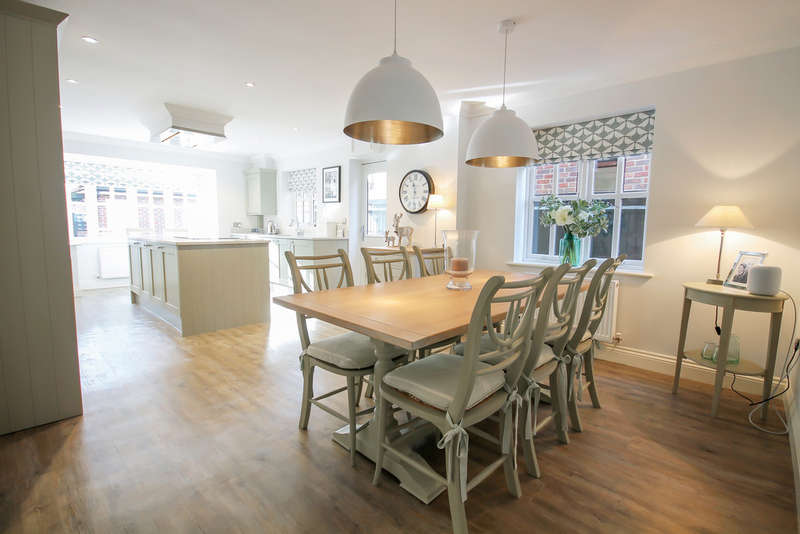 4 Bedrooms Detached House for sale in Hartfield Road, Forest Row
