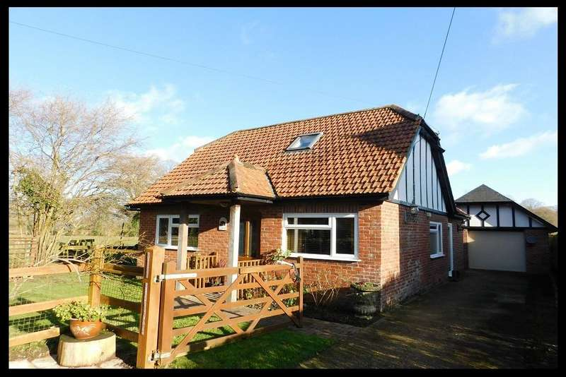 3 Bedrooms Detached Bungalow for sale in Paulettes Lane, Southampton SO40