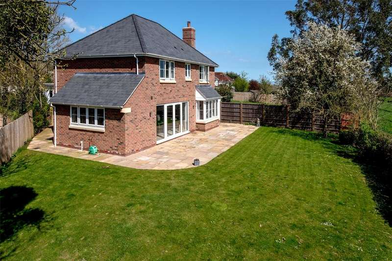 5 Bedrooms Detached House for sale in Stonegallows, Taunton