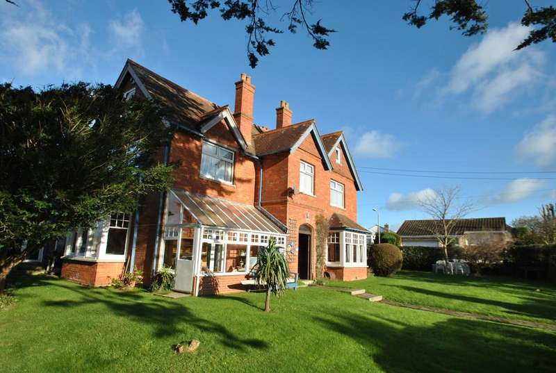 12 Bedrooms Detached House for sale in Killerton Road, Bude
