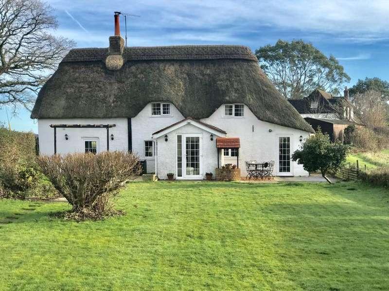 4 Bedrooms Detached House for sale in HOLT, WIMBORNE