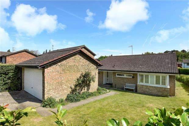 3 Bedrooms Detached Bungalow for sale in Cavendish Meads, Ascot, Berkshire