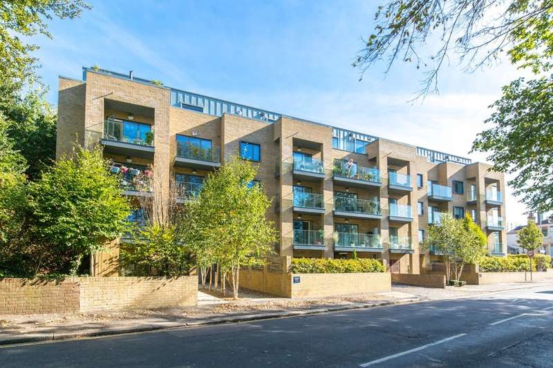 3 Bedrooms Flat for sale in Goldstone Crescent, Hove, BN3 6AN