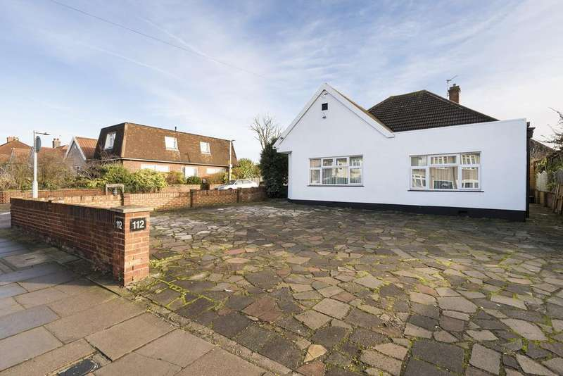 4 Bedrooms Bungalow for sale in Brampton Road, Bexleyheath, Kent, DA7