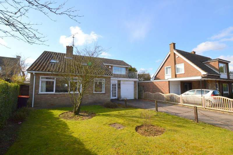 3 Bedrooms Detached House for sale in Sharpenhoe Road, Streatley, LU3 3PR