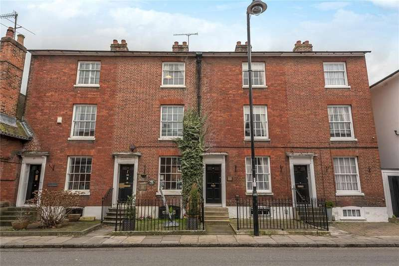 3 Bedrooms Terraced House for sale in Palmerston Street, Romsey, Hampshire, SO51